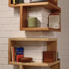 Alcune soluzioni originali per trasformare degli angoli in piacevoli e funzionali librerie!